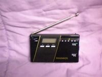 Vintage Magnavox D 1848 FM Radio with Case