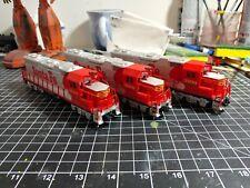 Life Like HO Santa Fe 3500 2 Locomotives And 1 Dummy
