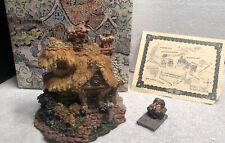 Boyds Bears Bearly Built Villages Baileys Cozy Cottage Box 2E/1489 Figurine