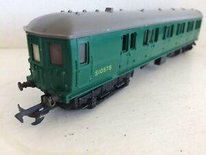 TRIANG R156 SOUTHERN SUBURBAN GREEN EMU POWERED COACH S1057S VGC 1960