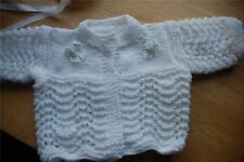 HAND KNITTED NEWBORN 0/3M BABY COAT & HAT SET - WHITE WITH ROSE BOWS BOY OR GIRL
