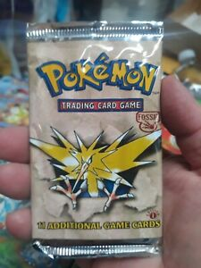1999 pokemon game 1st edition Fossil Sealed Pack Rare Unweighted