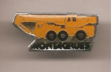 Pin's pin CAMION GRUE MONTAGRUES (ref CL10)