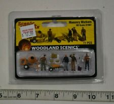 """HO Scale Woodland Scenics """"Scenic Accents"""" 1901 - Masonry Workers"""