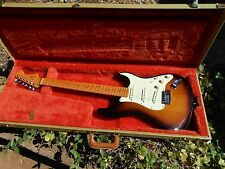 Fender American Deluxe Stratocaster with Fender Tweed Case Excellent