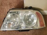 2003-2006 Lincoln Navigator Driver Side Headlight OEM  03 04 05 06 LH Left BULBS