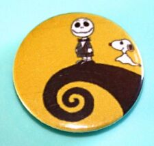 CHARLIE BROWN SNOOPY NIGHTMARE BEFORE CHRISTMAS BUTTON PIN BADGE