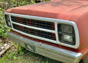 1980 Dodge Truck Grill D150 D250 W150 W250 Complete