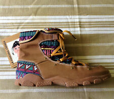 FRENCH WOMAN VINTAGE BROWN LOW BOOTS SHOES & FASHION KILIM PATTERN - NEW -8.5/39