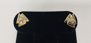 Estate Jewelry 10kt YG .20ct Tw Baguette & Round Natural Diamond Stud Earrings