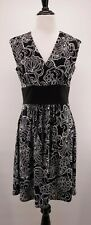 White House Black Market M Fleur de Lis Printed Surplice V-neck Stretch Dress