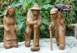 3 santons en bois sculptés