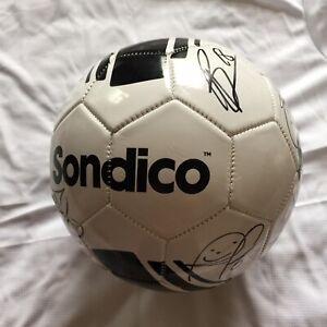 Manchester United Authentic Signed Football Inc Cavani, Fernandes, De Gea 1