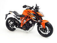 NEW RAY 1:12  MOTO DIE CAST KTM 1290 SUPER DUKE R    ART 57653