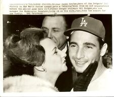 October 1963 world series wire photo sandy koufax gil hodges  of the dodgers