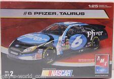 AMT #6 FORD NASCAR 2004 * PFIZER * Mark Martin -1:25 Bausatz