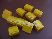 Lego 10 pieces jaunes inclinees / 10 yellow slopes 45°  2 x 2