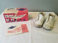 1960s Wee Walker White Washable Leather Size 3 Child's High Crib Shoes in Box