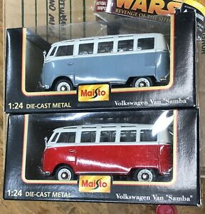 Set Of 2 Maisto Special Edition 1:24 Volkswagen VW Van Samba Red White Grey