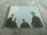 U2-Beautiful Day CD SINGLE CIDX 766/ 562 946-2