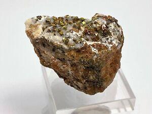 Pyrit mit Anlauffarben, Calcit, Hüttenberg, Ktn., Ö.(5,3 x 4,2 x 4,3 cm)