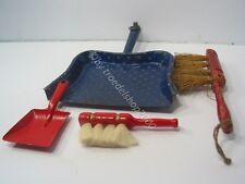 110) alte Puppen Kinder Kehrgarnitur Holz Metall 2 x Schaufel 2 x Besen Garnitur