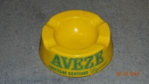 ASHTRAY COLLECTORS - OPAQUE GLASS  FRENCH  ASHTRAY FOR AVEZE LIQUER