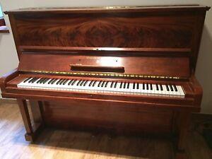"Steinway&Sons Klavier Modell ""V"""