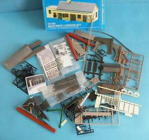Peco Ratio 4mm OO Plastic Kit Parts - Windows Tunnel Mouth Roofs etc