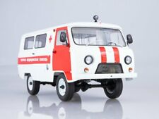 Scale model 1:18 UAZ-3962 Ambulance 1997