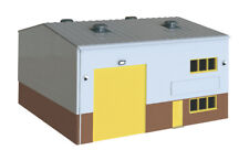 Wills SSM300 - Industrial/Retail Unit '00' Gauge Plastic Kit - Tracked 48 Post