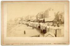 France, Saint Aubin-sur-Mer, vue générale cabanes sur la plage, ca.1880, vintage