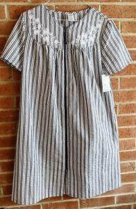 New Croft & Barrow Nightgown Lounger House Dress Embroidered Zip Sz S Seersucker