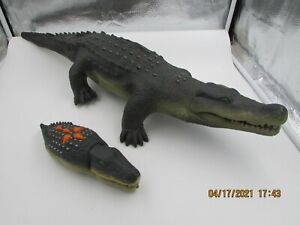 2001 Wow Wee RC Remote Control Toy Alligator Crocodile Toy Animated Walks Sounds