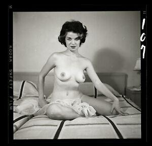SAN SAN 5 O'CLOCK CLUB '56 Nude Model Bunny Yeager Archive 2 1/4 Camera Negative