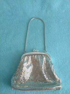 Vintage Silver Glomesh-style Clutch Purse Bag Great Condition!