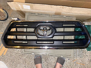 2016/2017 Toyota Tacoma Limited Grill