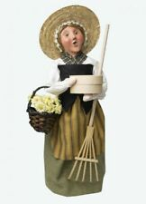 2020 Byers Choice Colonial Williamsburg Fall Harvest Woman w/Basket of Flowers
