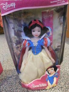 "Disney Porcelain Keepsake Doll ""Snow White"""