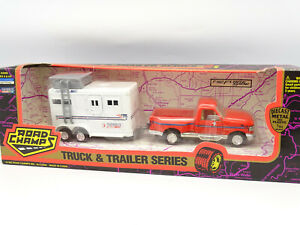 Road Champs 1/43 - Ford F150 Pick Up Flare Slide + Trailer Horses Featherlite