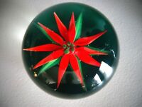 Signed JOE BARKER LAMPWORK POINSETTIA Flower Paperweight Red Green