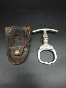 Antique Argus Mfg Iron Claw Police Handcuff Nippers Come A Long ~Towson Holster