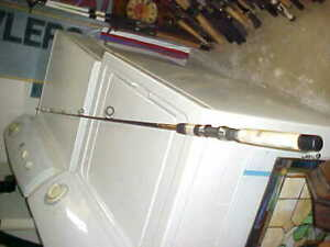 SHAKESPEARE UGLY STIK 6FT  SPINNING ROD