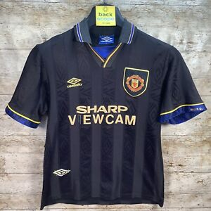 Medium ORIGINAL 93-95 Manchester United Umbro Sharp Shirt - Cantona Kung Fu Kick