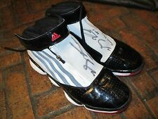 DERRICK ROSE #1 2009-10 GAME-WORN AUTOGRAPHED ADIDAS SHOES WITH BULLS LETTER