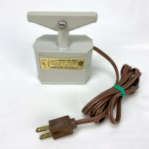 Radio Shack Realistic Magnetic Bulk Tape Eraser Model 44-210 *Tested & Working*
