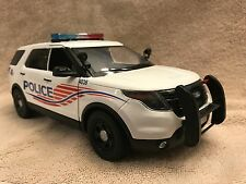 1/18 SCALE WASHINGTON DC PD FORD SUV UT DIECAST  WITH WORKING LIGHTS AND SIREN