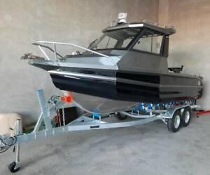 20ft 115hp WaveCraft v-Hull Off-Shore Pontoon Boat and Trailer