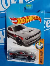 Hot Wheels 2017 Muscle Mania #48 '15 Dodge Challenger Silver SRT Hellcat Base