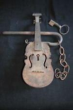 Genuine antique metal iron? Decorated Fiddle Lock with original key 19th century